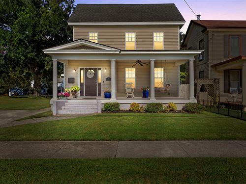Renovated Home Downtown Elizabeth : Elizabeth City : Pasquotank County : North Carolina
