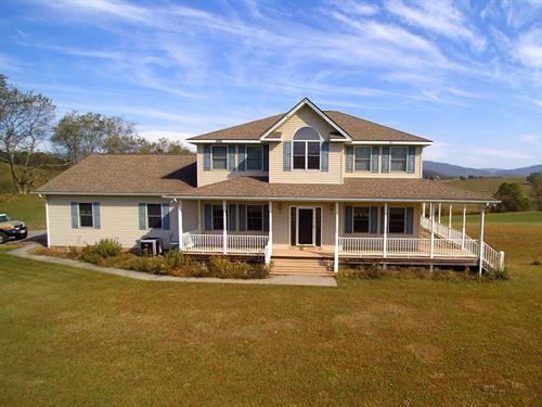 Home With 360 Degree Views : Elk Creek : Grayson County : Virginia