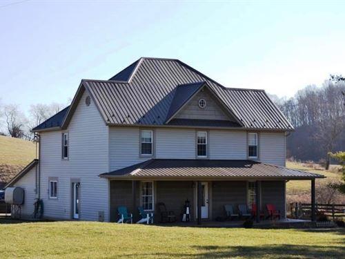 Renovated Farmhouse Hobby Farm : Rural Retreat : Wythe County : Virginia
