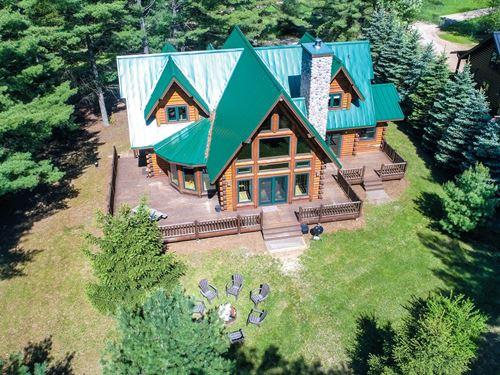 Chain O' Lakes Log Home Waupaca, WI : Waupaca : Wisconsin