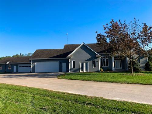Albia, IA Home For Sale : Albia : Monroe County : Iowa