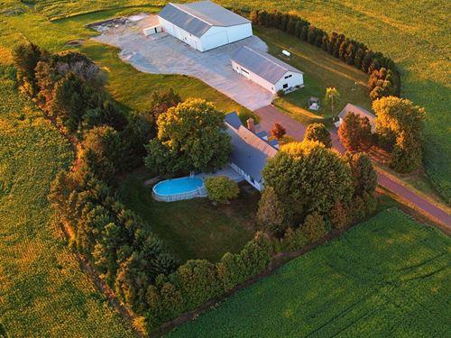 Country Setting, Buildings : Fostoria : Hancock County : Ohio