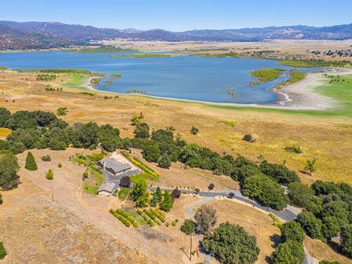 Lake Henshaw View Home : Santa Ysabel : San Diego County : California