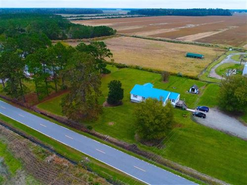 1.4 Acres With a 4 Bedroom 2 Bath : Scranton : Hyde County : North Carolina