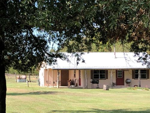 Rustic Mini Ranch With 3 Acres : De Kalb : Bowie County : Texas