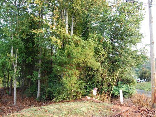 .28 Acre Lot in Seneca : Seneca : Oconee County : South Carolina