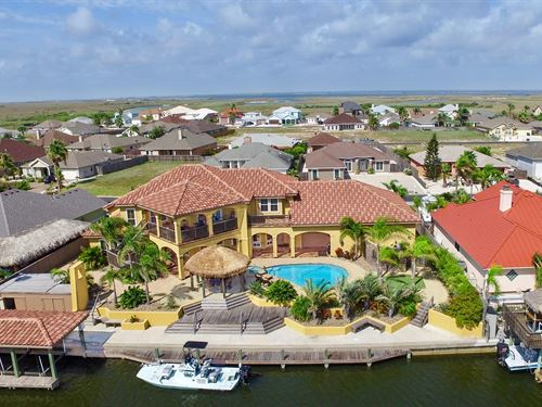 Gorgeous Canal Front Home : Corpus Christi : Nueces County : Texas