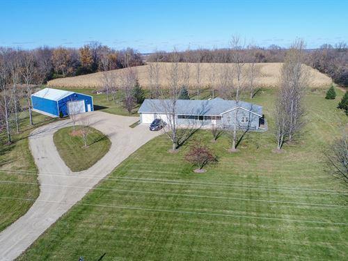 Country Home For Sale in Manawa, WI : Manawa : Waupaca County : Wisconsin