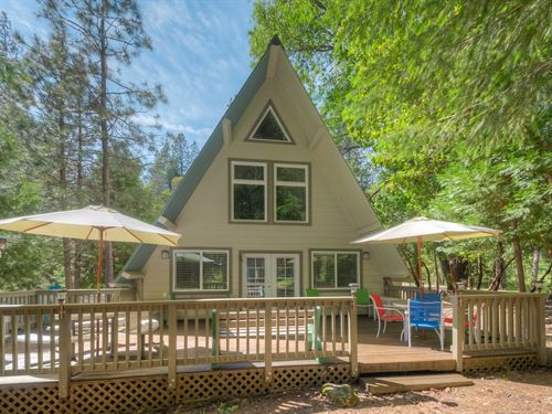 Chalet Style Gated Lake Community : Berry Creek : Butte County : California