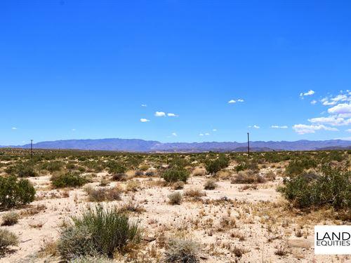 Borders Blm In Sunfair Heights : Twentynine Palms : San Bernardino County : California