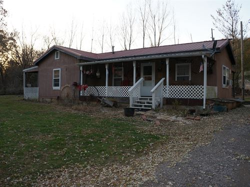 Rustic Cabin Getaway : Nebo : Calhoun County : Illinois