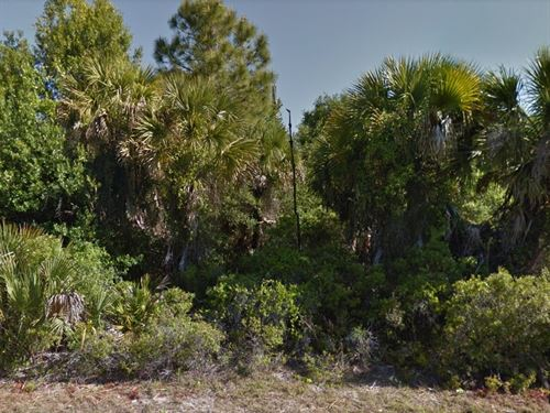 Minutes to Town Center No.281 : Port Charlotte : Charlotte County : Florida