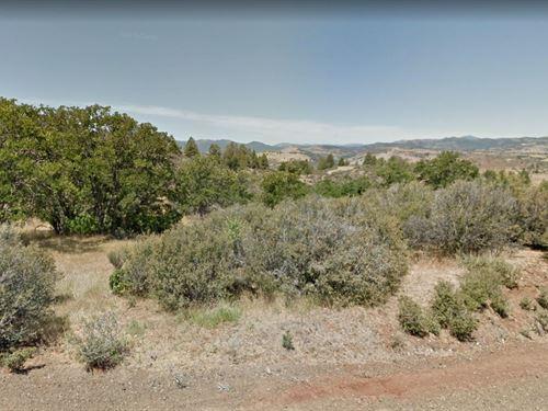 Gorgeous Property Near River : Hornbrook : Siskiyou County : California