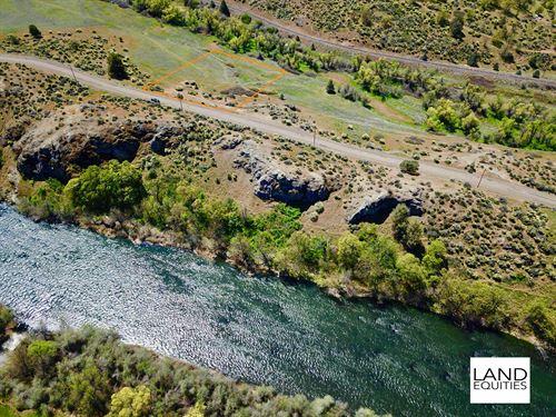 Fantastic Location By Klamath River : Hornbrook : Siskiyou County : California