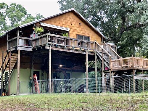 Riverfront House, 2 AC Santa Fe : Branford : Suwannee County : Florida