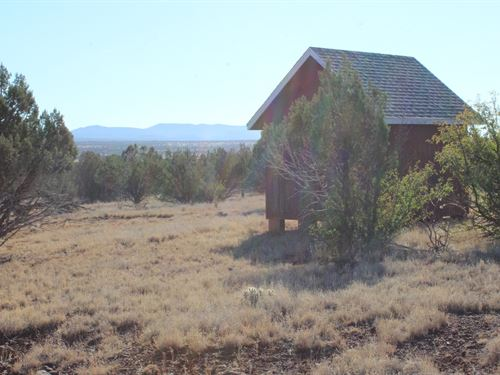 Ashfork Land Views, Shed Good Roads : Ash Fork : Coconino County : Arizona