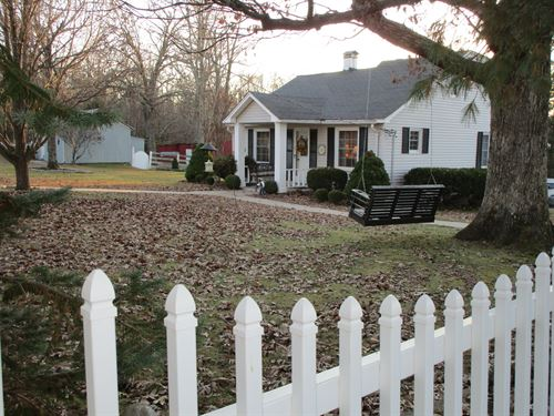 Hobby Farm, House & Guest Cottage : Mountain View : Howell County : Missouri