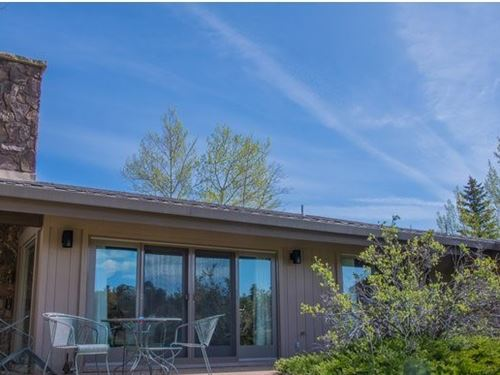 Colorado Golf Course Home : Red Feather Lakes : Larimer County : Colorado