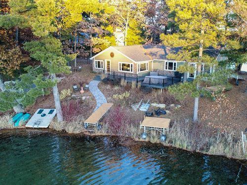 Chain O' Lakes Home Long Lake : Waupaca : Wisconsin