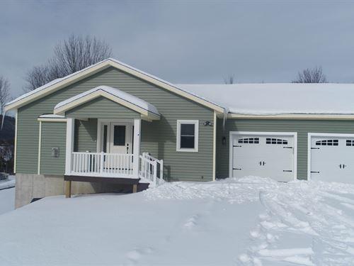 Newly Built Custom Home on Acreage : De Ruyter : Madison County : New York