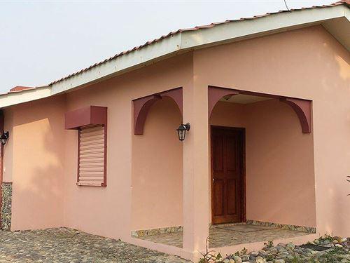 Caribbean Sea Beachfront Cottage, 3 : La Ceiba : Honduras