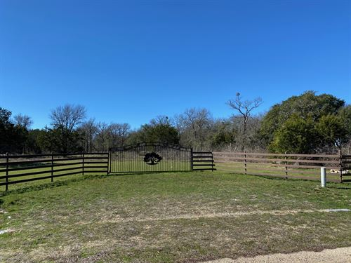Beautiful Lot With Pond : Moody : Bell County : Texas