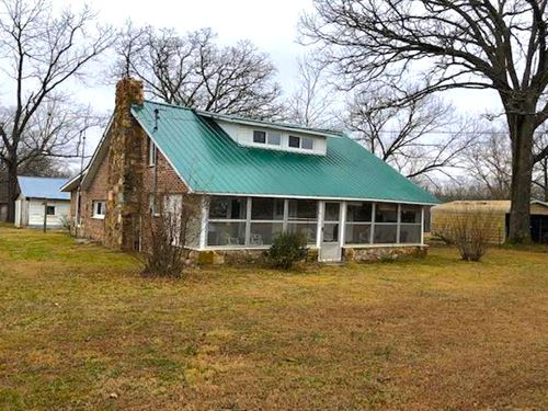Country Home For Sale With Acreage : West Plains : Howell County : Missouri