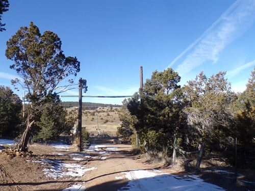 Santa Fe County New Mexico Fixer : Edgewood : Santa Fe County : New Mexico