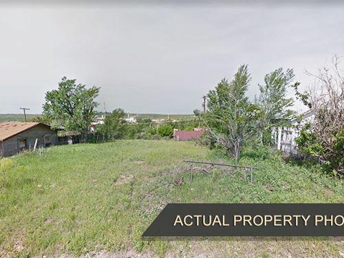 Quiet Texas Neighborhood Lot : Borger City : Hutchinson County : Texas