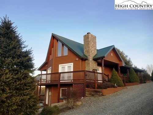 Beautiful Log Cabin Gated : Piney Creek : Alleghany County : North Carolina