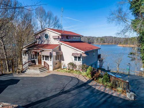 Grand View On Buggs Island Lake, VA : Clarksville : Mecklenburg County : Virginia