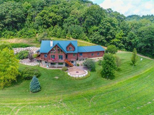 Custom-Built Luxurious Log Home : Stoddard : Vernon County : Wisconsin