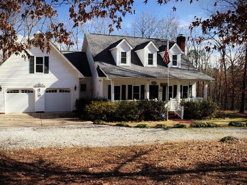 Family Home in Heart of Ozarks : Mountain View : Stone County : Arkansas