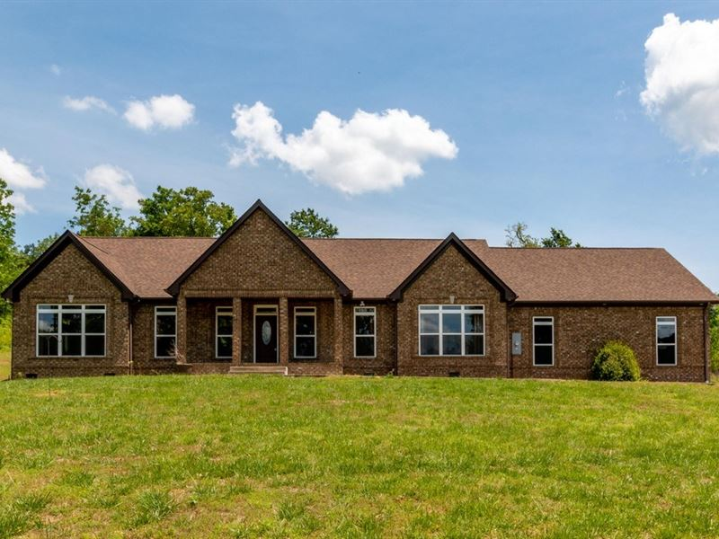Custom All-Brick Ranch Home, Spring : Spring Hill : Maury County : Tennessee