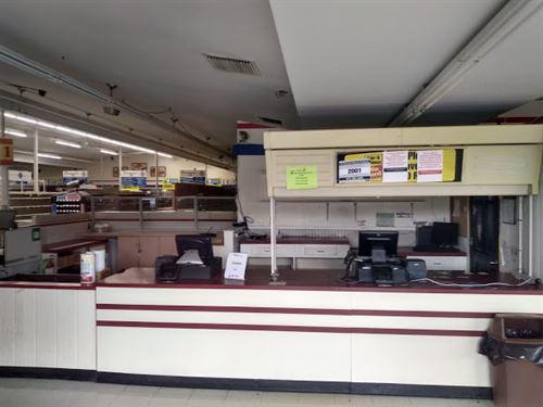 Iga Grocery Store : Centralia : Marion County : Illinois