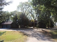 Brown County Log Home And Acreage : Ainsworth : Brown County : Nebraska