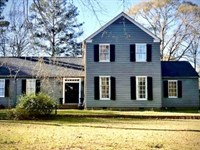 Remodeled 2 Story Lakeside Colonial : McComb : Pike County : Mississippi