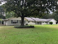 Large Home On 8.85 Acres : Tylertown : Walthall County : Mississippi