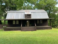 3 Br, 2 BA Home Situated Along Cow : Eufaula : Barbour County : Alabama