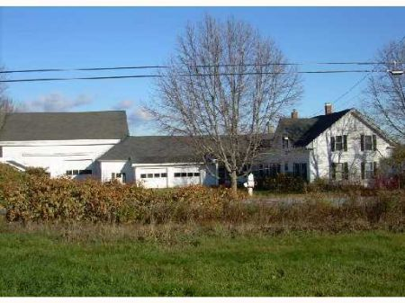 Great Farmhouse : Pittsfield : Somerset County : Maine