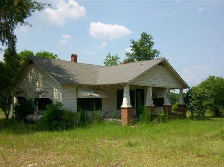 10 Acres Cozy Country Home : Rochelle : Wilcox County : Georgia
