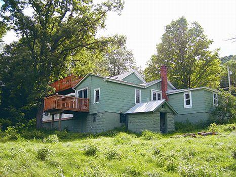 Nice House & Barn - River Frontage : Hancock : Delaware County : New York