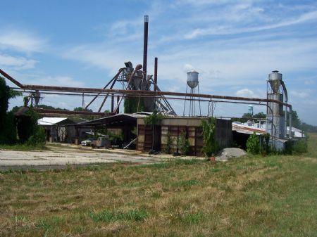 11 Acres W/ Industrial Buildings : Burkeville : Nottoway County : Virginia