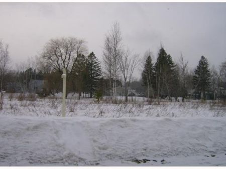 Nice Intown Building Lot : Pittsfield : Somerset County : Maine
