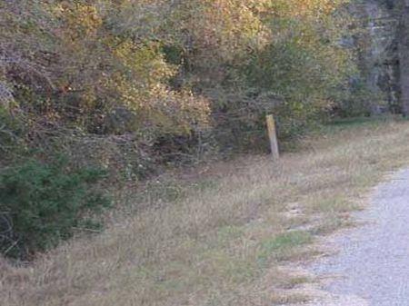 Lake Thunderbird Section 4 Lot 28 : Austin : Bastrop County : Texas