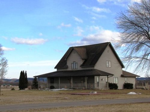 3125 Sq Ft Home On 3.5 Acres : Blue River : Richland County : Wisconsin