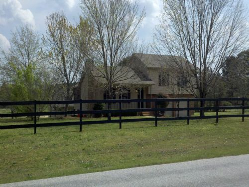 Mini Farm In Loganville Fully Remod Lot For Sale