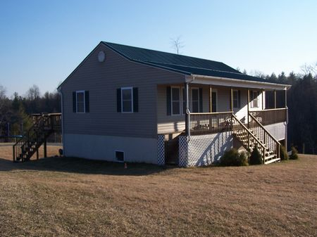 6Bd/3Ba Mtn Home, 10 Ac, Views : Fries  : Grayson County : Virginia