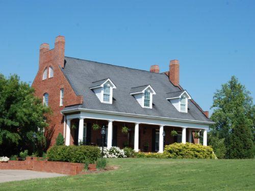 17.79 Acre Executive Estate : Chesnee : Spartanburg County : South Carolina
