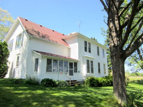 5 Acre Farmette W/ Vintage 2 Story : Stoughton : Dane County : Wisconsin